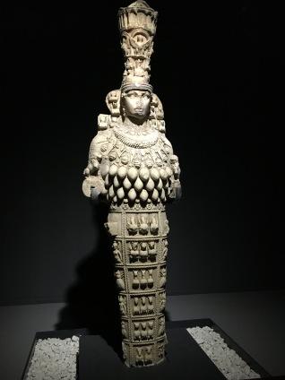 Statue d'Artémis Éphésia, IIe siècle, Musée de Selçuk (Éphèse)