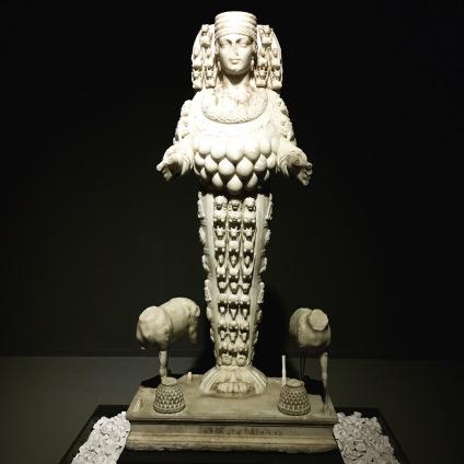 Statue d'Artémis Éphésia, Ier siècle, Musée de Selçuk (Éphèse)